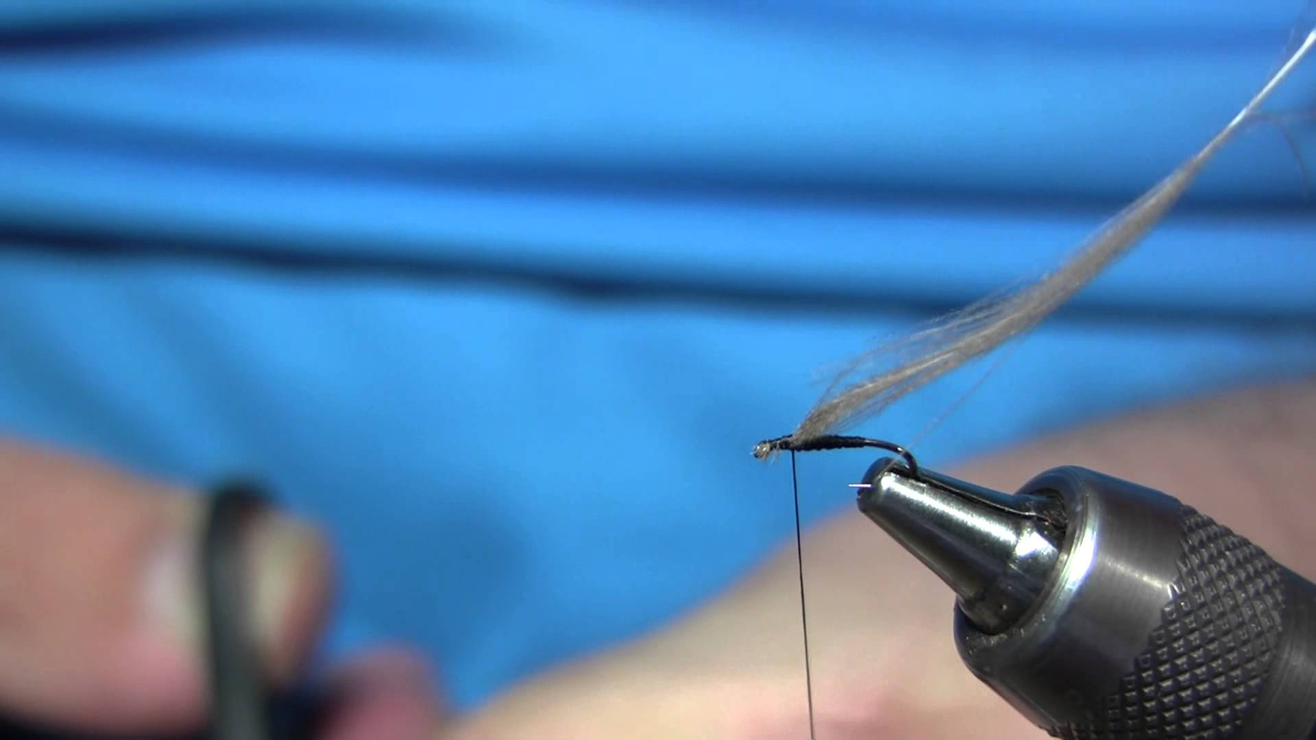 [Video] Swissflies: Black Dry Fly Midge